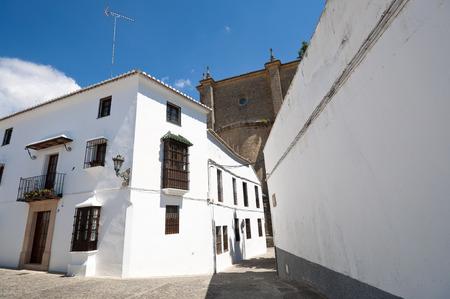 baranda para balcon: Calle tradicional en Ronda pueblo, Málaga, Andalucía, España