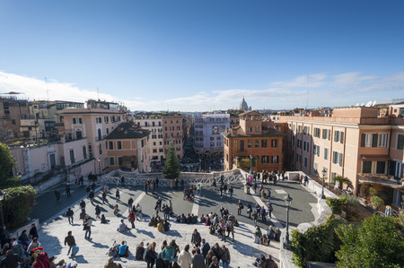 Spagna: Tourists visiting the Piazza di Spagna, on December 31, 2013 in Rome, Italy