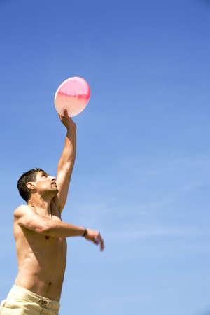 Hombre jugar Frisbee