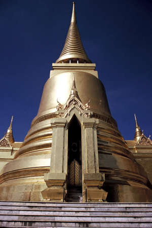 Golden Stupas at Wat Phra Kao, Bangkok, Thailand Stock Photo - 3190891