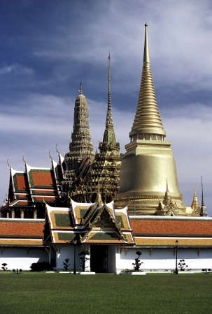 the stupa: Royal Palace (Wat Phra Kaew), Bangkok, Thailand.