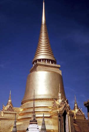 Golden Stupas at Wat Phra Kao, Bangkok, Thailand Stock Photo - 3190898