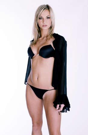 La mujer en ropa interior negro y transparente cardigan  Foto de archivo - 3191707