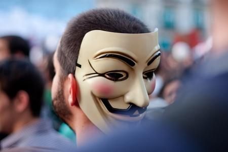 objecion: Un manifestante durante las manifestaciones en Madrid del 15 M