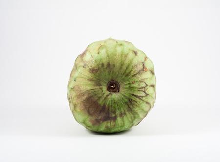 chirimoya: Una chirimoya aisladas sobre fondo blanco