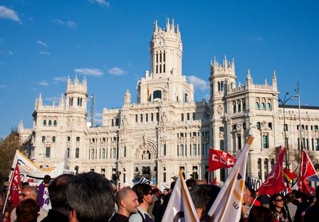 objecion: manifestantes durante la huelga general el 29 de marzo de 2012 en frente del Banco de Espa�a