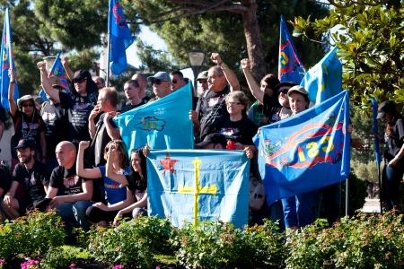 mineros: Grupo de familiares y los mineros asturianos en Madrid para protestar contra los recortes en las ayudas al carb�n Editorial