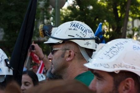 mineros: Grupo y los mineros de la familia en Madrid para protestar contra los recortes en las ayudas al carb�n