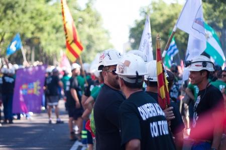 mineros: Grupo de mineros y familiares en Madrid para protestar por los recortes en las ayudas al carb�n