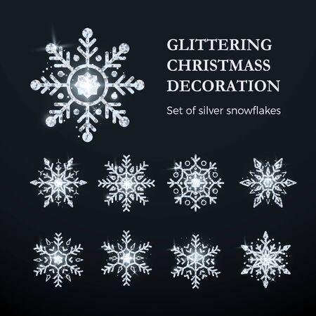 Silver Snowflake Set. Christmas decoration element. Shiny silver luxury flake. Vector illustration isolated on transparent background Vecteurs
