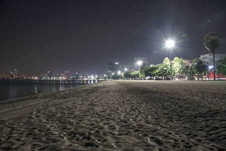 empty beach of Pattaya city in night life at time critical of COVID 19 infection, effective of virus infect in the night business at popular and famous place of the World Banque d'images