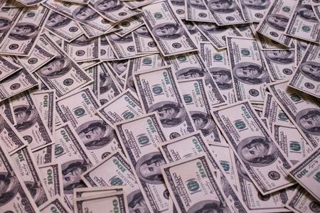 hombre millonario: fondo del dinero, cien billetes de dólar cara frontal. fondo de dólares, viejo rostro billete de cien dólares, millonario, empresario