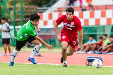 sa: SISAKET THAILAND-September 17: Gorka Unda of Sisaket FC. in action during Unofficial Friendly Match between Sisaket FC and Sisaket Utd at Sri Nakhon Lamduan Stadium on September 17,2014,Thailand
