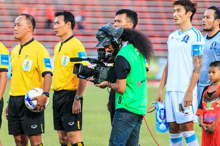tot: SISAKET THAILAND-SEPTEMBER 20: Cameraman during Thai Premier League match between Sisaket FC and TOT SC at Sri Nakhon Lamduan Stadium on September 20,2015,Thailand