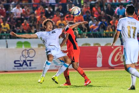 tot: SISAKET THAILAND-SEPTEMBER 20: Lee Jun-Ki of TOT SC (white) in action during Thai Premier League between Sisaket FC and TOT SC at Sri Nakhon Lamduan Stadium on September 20,2015,Thailand