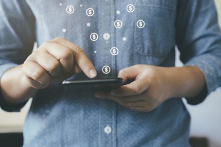 Online-Business-Fintech-Konzept. Online-Banking und Kommerz.
