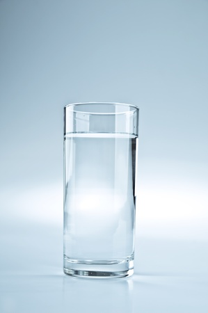 新鮮な健康な水のガラス 写真素材