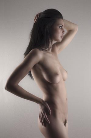 naakt vrouwen: Mooie vrouwelijke poseren kunst naakt Stockfoto