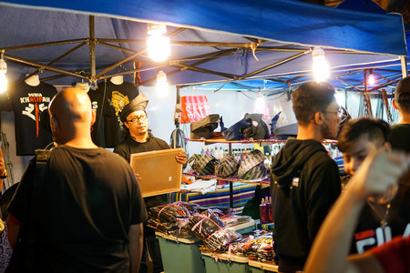 JOHOR,MALAYSIA - FEBRUARY 2019 : Street scene of massivepeople at Pasar Karat or car boot sale market during chinese new year holiday in Johor Baharu, Johor. - Image Redakční
