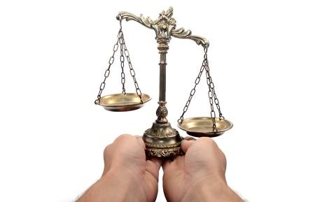 jurado: Sosteniendo Escalas decorativas de la justicia, aislado, la ley y el concepto de la justicia Foto de archivo