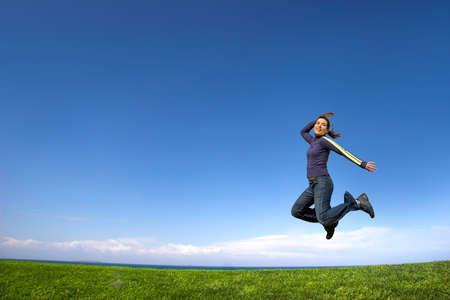 haciendo ejercicio: Mujer joven que hace ejercicio Foto de archivo