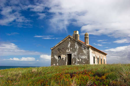 Abandoned house close to the sea Stock Photo - 430656