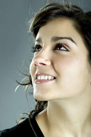lachendes gesicht: A close-up Portr�t einer sch�nen jungen Frau und attraktive  Lizenzfreie Bilder