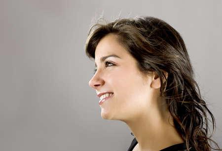visage femme profil: Portrait dune belle jeune et attirante femme