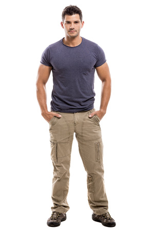 Portret van een knappe Latijnse mens, geïsoleerd op een witte achtergrond Stockfoto