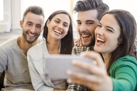 友人 faving 楽しさと、selfie を作る