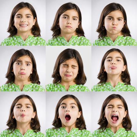 異なる式を作る同じ少女の複数の肖像画