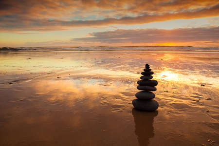 Zen balanced stones stack close up   Stok Fotoğraf