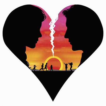 Pár uvnitř lámání srdce s šťastnou rodinu při západu slunce v pozadí