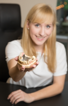 prosthodontics: Odontotecnico protesi presentando in ufficio