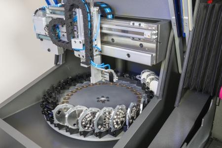 dentier: Fraisage ou de forage machine dans un laboratoire dentaire Banque d'images