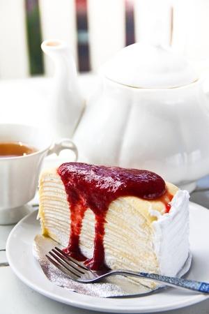strawberry cheesecake - strawberry cake - cake with raspberry jam or strawberry jam