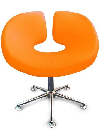金属とオレンジの生地でモダンな椅子