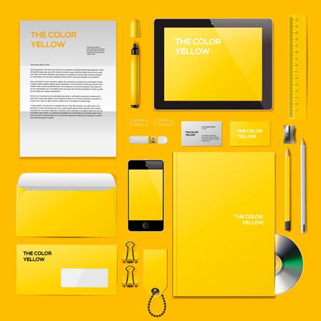lapiceros: Amarillo maqueta de identificaci�n corporativo. Constan de tarjetas de visita, disco cd, bloc de notas, bol�grafo, sobre, badge, papeler�a, unidad flash usb, carpeta de la tableta, tel�fono inteligente, en blanco. Ilustraci�n del vector Eps10.