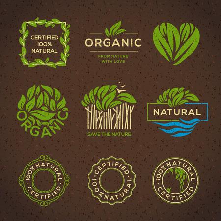 Biologisch voedsel labels en elementen, die voor eten en drinken, restaurants en biologische producten vector illustratie. Stock Illustratie