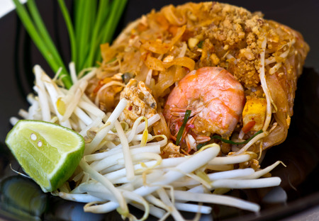 pat: thai noodle Stir fried Shrimp pad thai
