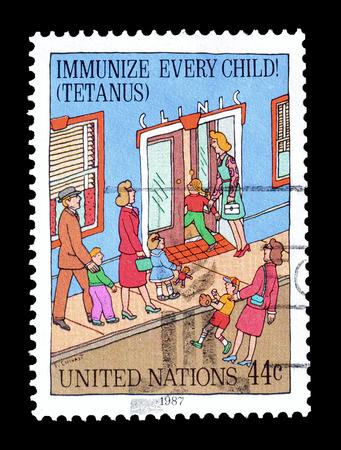 1987 年頃の免疫の子供を促進する国連による印刷の切手をキャンセルしました。 報道画像