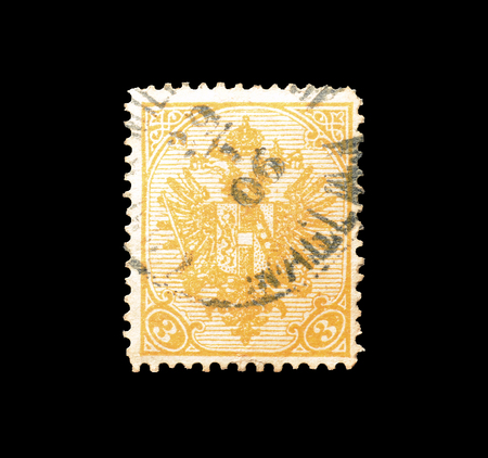 取り消された切手オーストリアによって印刷される、1900 年頃の紋章付き外衣を示します。