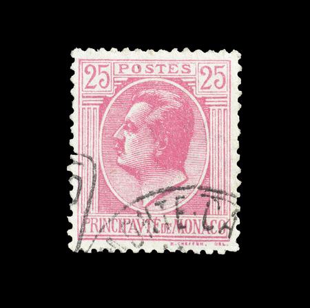 1924年頃、ルイ二世王の肖像画を示すモナコによって印刷された郵便切手をキャンセルしました。 報道画像
