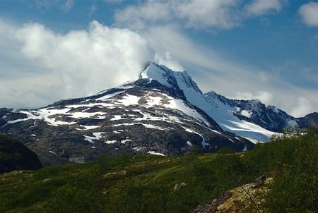 jotunheimen national park: Mountain Summit in Jotunheimen National Park in Norway