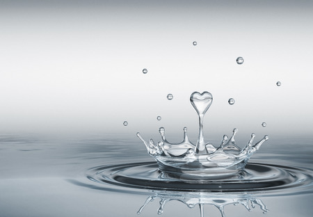Water splash in form of heart