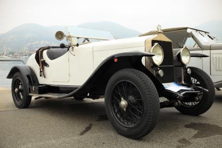 coche clásico: Vintage negro y blanco coche