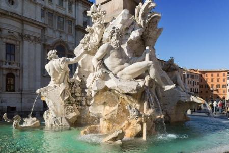 fontana: Fontana dei Quattro Fiumi, Piazza Navona, Rome, Italy Editorial