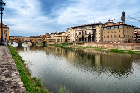 firenze: Ponte Vecchio on the Arno river in Firenze, Tuscany, Italy  Stock Photo