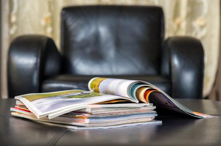 Kleur tijdschriften in leer woonkamer