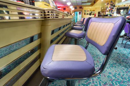 アメリカ 1950年スタイルのダイナー バーの椅子